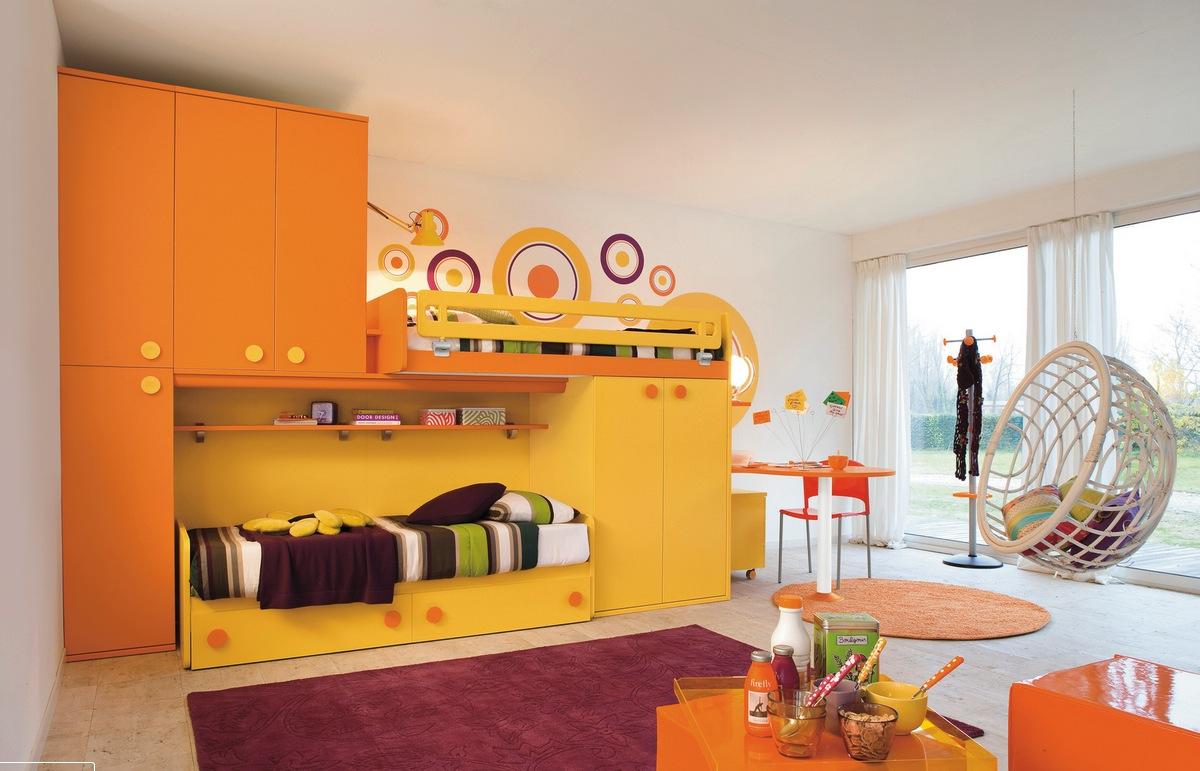 sarı ve turuncu çocuk odası