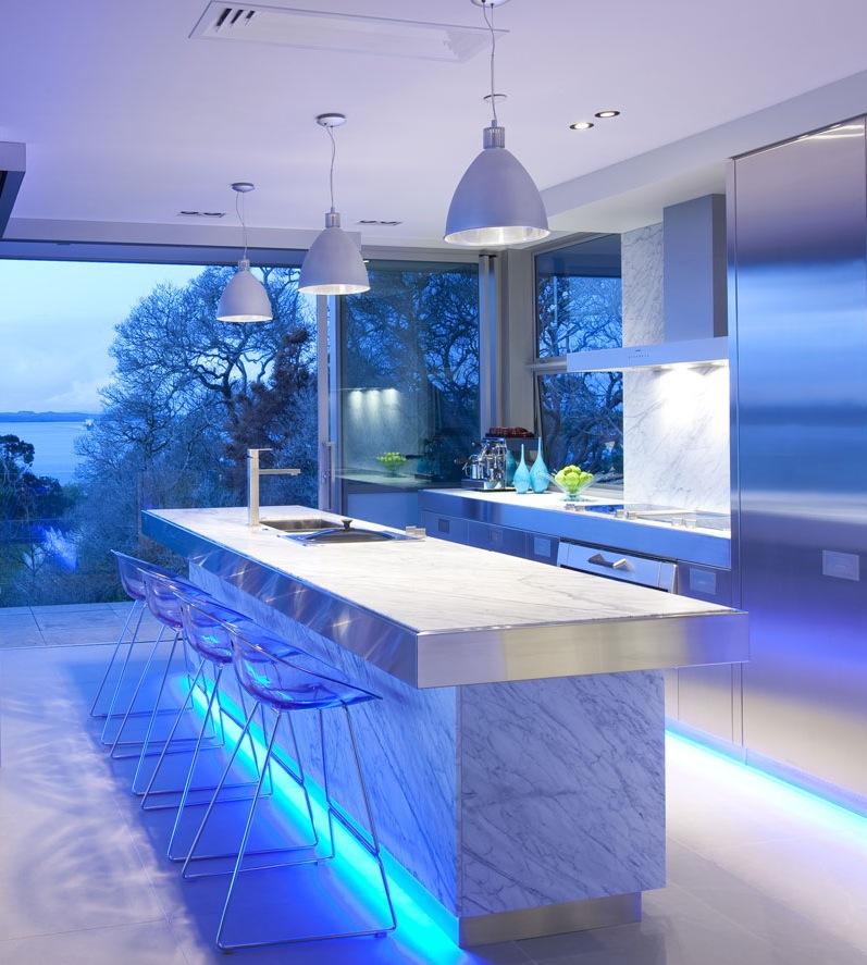 mavi led şıklı mutfak