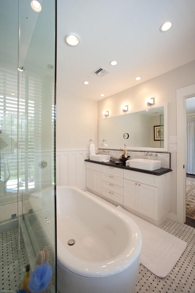 beyaz sade banyo