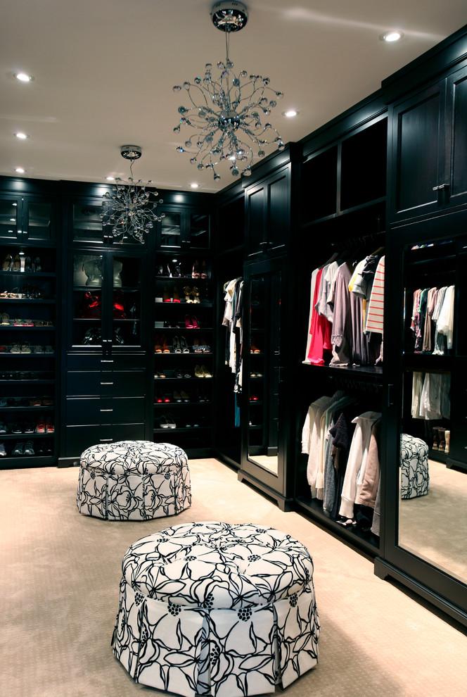 güzel siyah giyinme odası