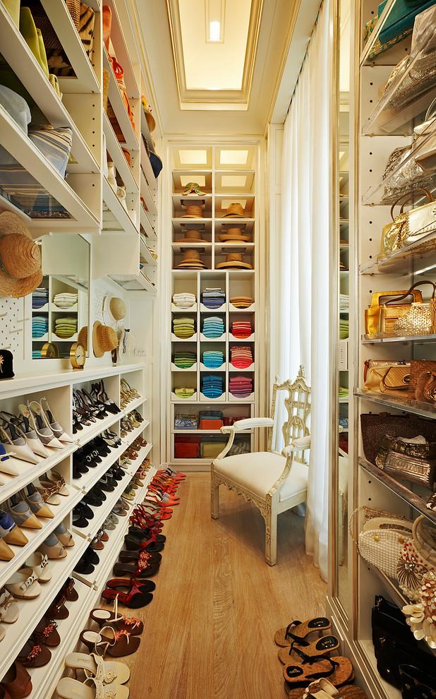 klasik giyinme odası