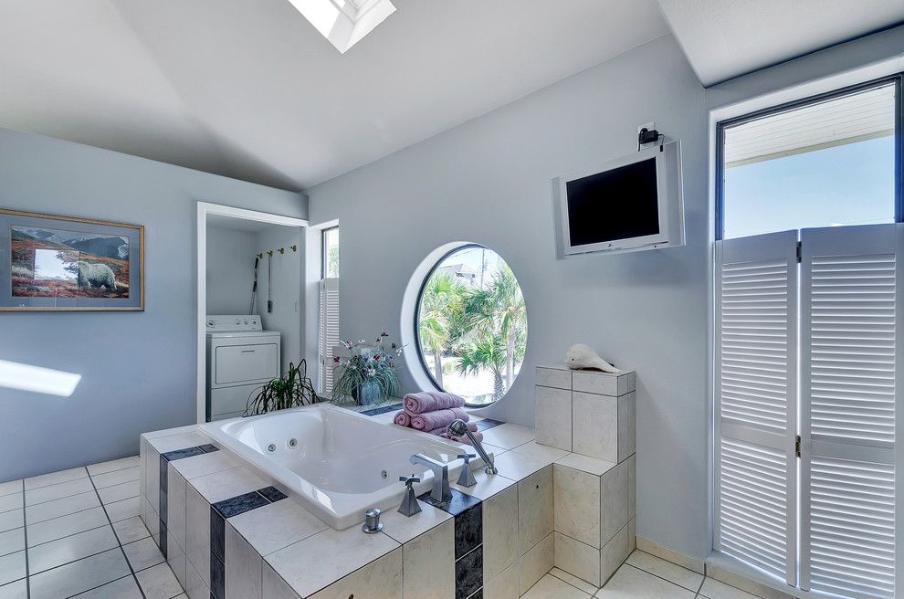 lila tonlu banyo