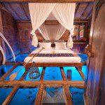bambu evi akvaryum yatak odası