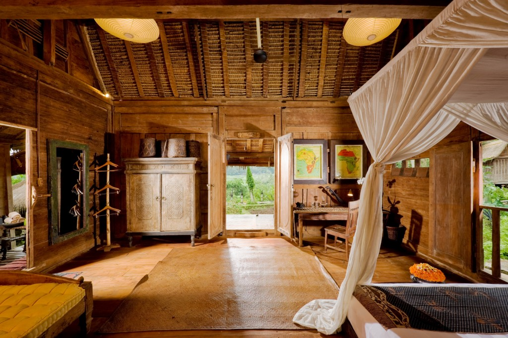 bambu evi geniş yatak odası