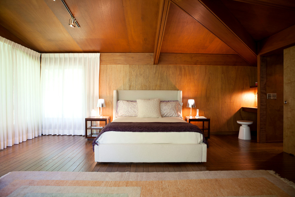 ahşap yatak odası resmi