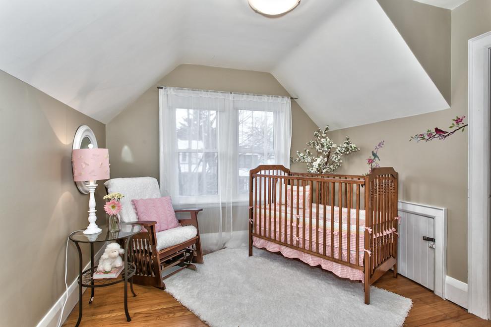 çatı katı bebek odası