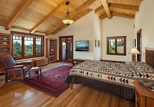 tahta yatak odası