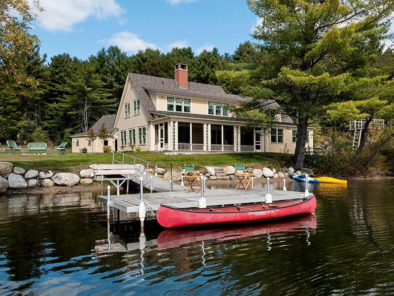ağaç göl evi