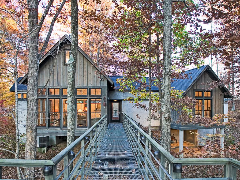 ormandaki ağaç ev