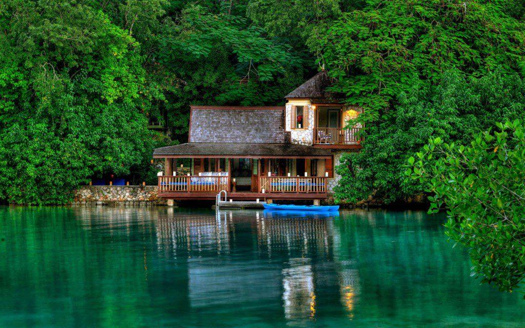 muhteşem göl evi
