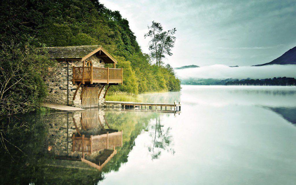 taş göl evi