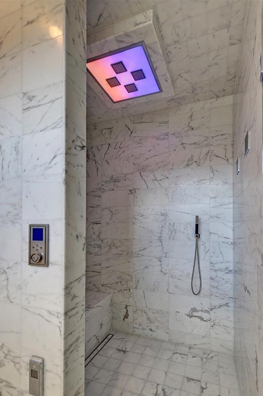 Süper modern duşakabinler