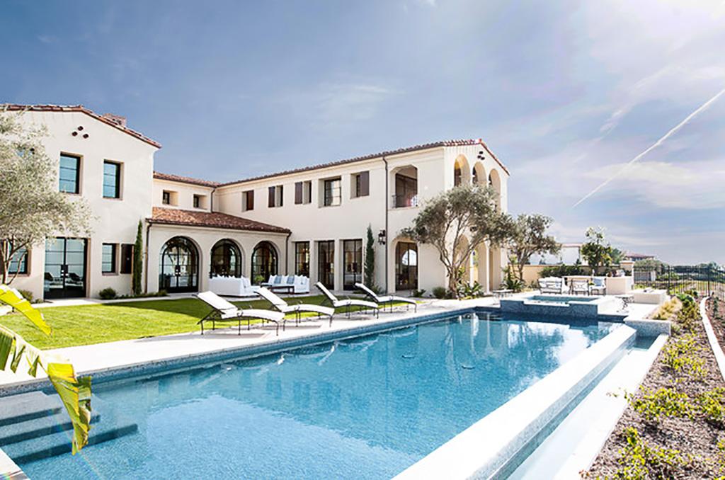 Süper büyük ev