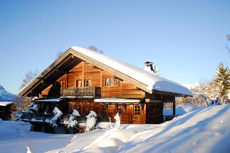Ahşap dağ evi