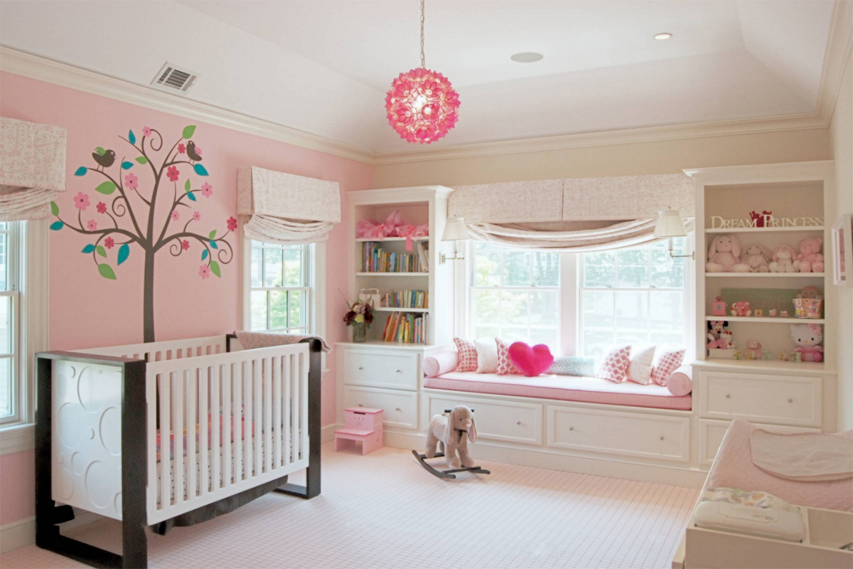 Kızlar için tasarlanmış bebek odalarına, harika bir pembe örnek