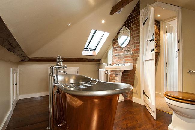 Çatı katı banyo modeli
