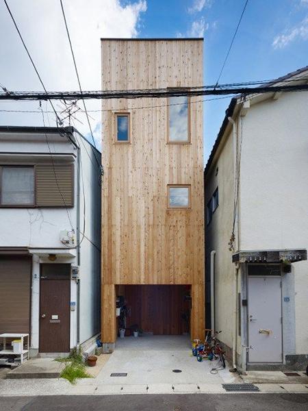 Uzun tahta ev