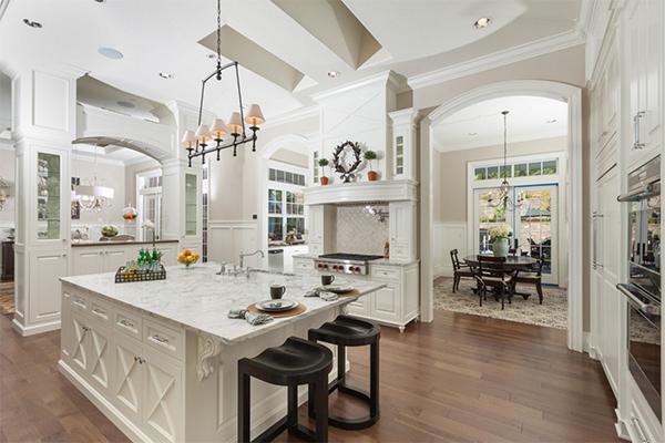 Büyüleyici güzellikte bir mutfak tezgahı derlemesi..