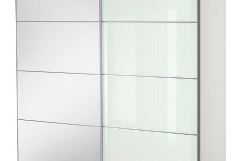 Şeffaf sürgülü modern gardrop tasarımı..