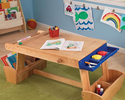 Çok fonksiyonlu ve işlevsel çocuk masası