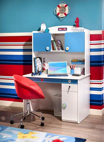 Mavi erkek çocuk için çalışma masaları..