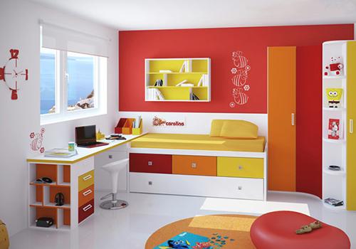 Modern çocuk odaları ve masaları..