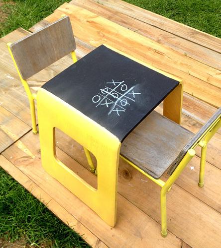 Yazı tahtalı çocuk masası tasarımları..