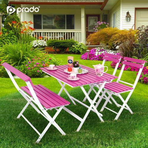 Bahçe, balkonlar ve teraslarınız için uygun pembe masa ve sandalye takımı..