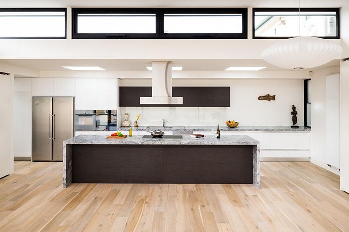 Büyük Modern Mutfak