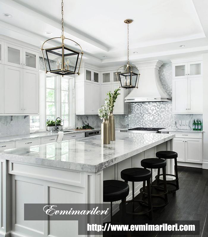 Beyaz klasik mutfak tasarımı