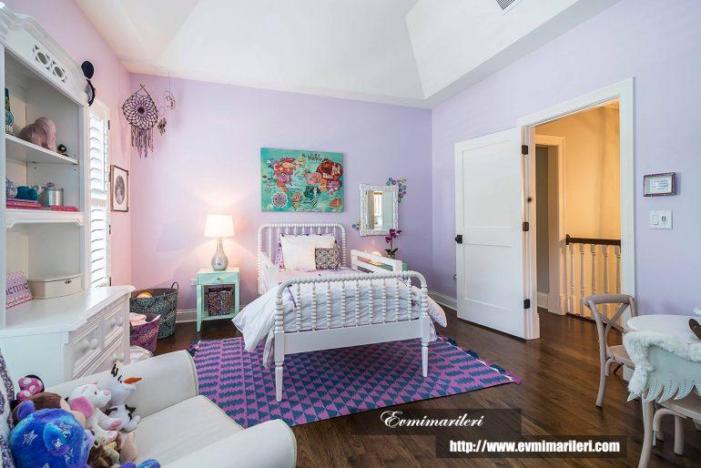 Mor çocuk odası dekorasyonu