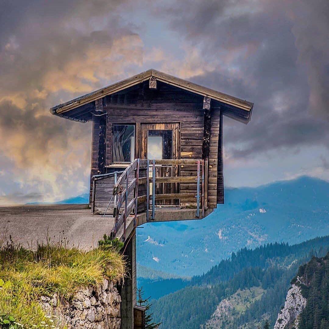 Sıra Dışı ve İlginç 10 Mimari Tasarım - Uçurumdaki Manzaralı İlginç Ev