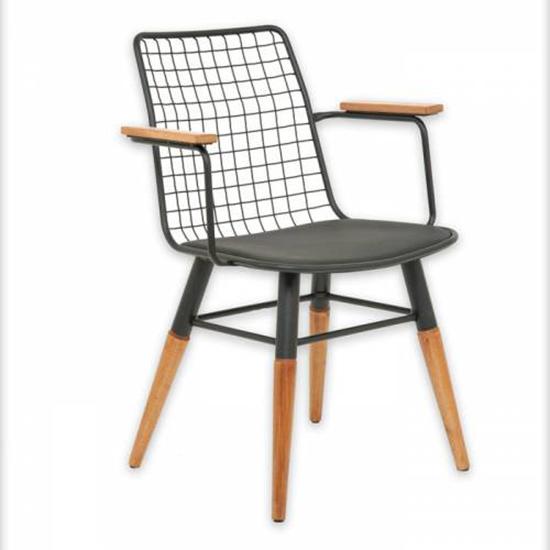 Dönmeyen Rahat Sandalye. Online Eğitim için Okula Dönüş Malzemeleri