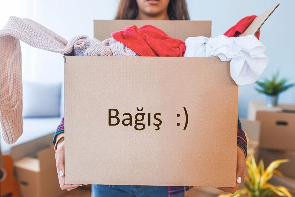 Dolabınızda bir bağış kutusu, çanta veya sepet bulundurarak gardırobunuzda olmasını istemediğiniz giysilerden kurtulun