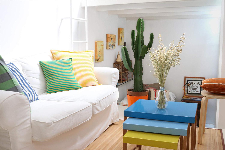 Metrekare asgari düzeyde olduğunda, rahat ve küçük ölçekli koltuklar kullanın.