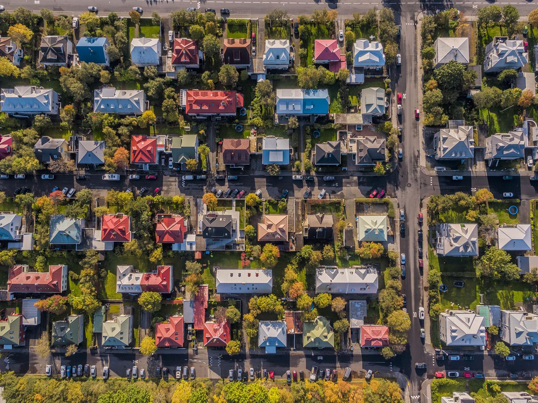 Size çekici gelen bir mahalle, kişisel tercihinize bağlıdır; ancak erişilebilirlik, çevre faktörü ve ulaşılabilirlik avantajları, her zaman göz önünde bulundurulması gereken ihtiyaçlardandır. En İyi Ev Konumunu Seçmek İçin İpuçları