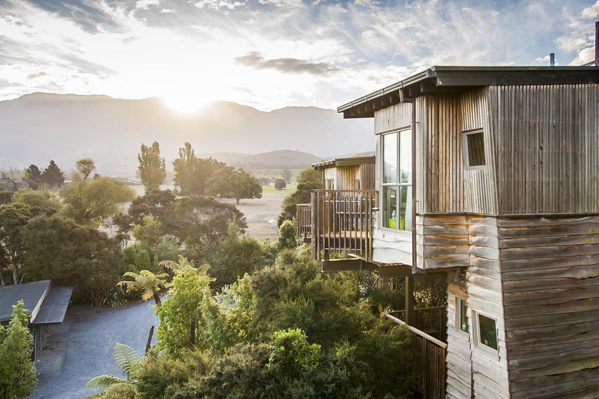 Hapuku Lodge ve Ağaç Evler (Kaikoura, Yeni Zelanda)