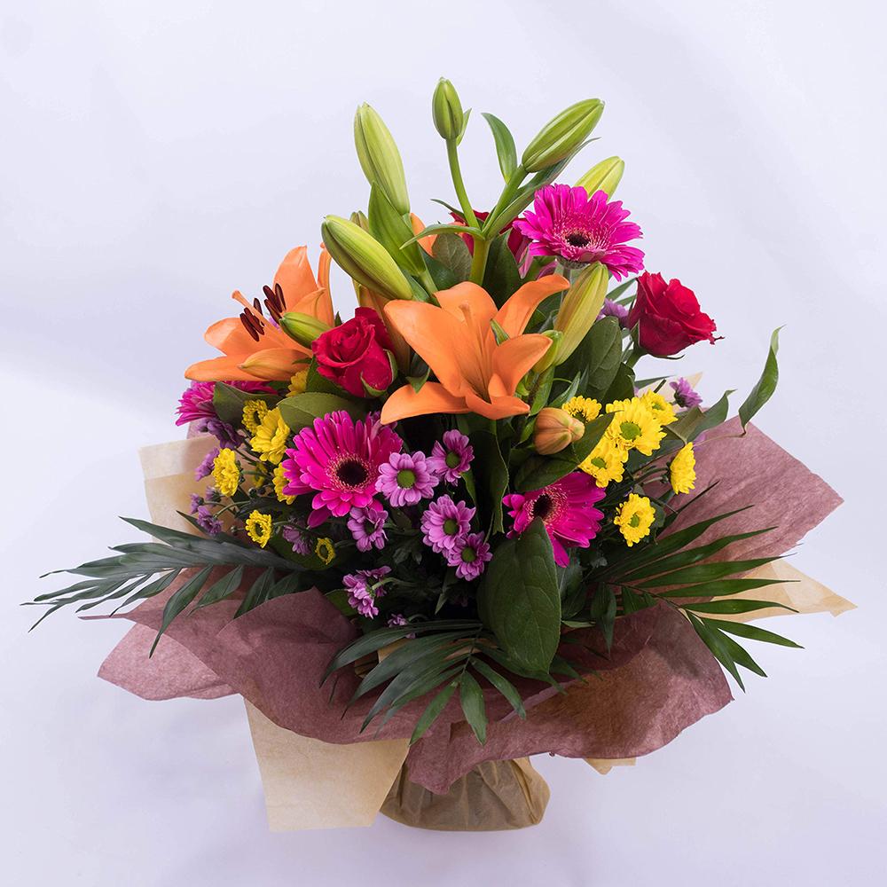 Taze Çiçekler. Evinizin Kokusunu Harika Hale Getirmenin 12 Feng Shui Yolu.